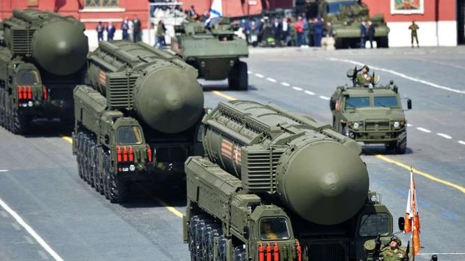 Tên lửa xuyên lục địa cơ động Topol-M của Nga.