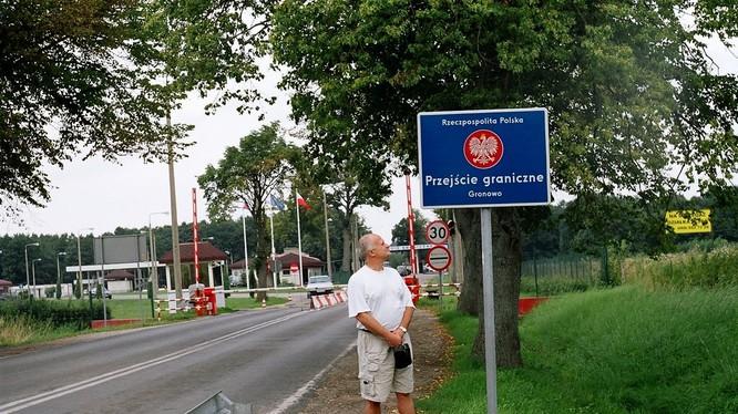 Nga sẽ đáp trả việc Ba Lan đình chỉ chế độ lưu thông biên giới