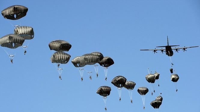 Quân đội NATO tập trận ở Ba Lan.