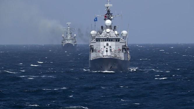Stratfor dự đoán cuộc tranh giành giữa Nga và NATO ở Biển Đen.