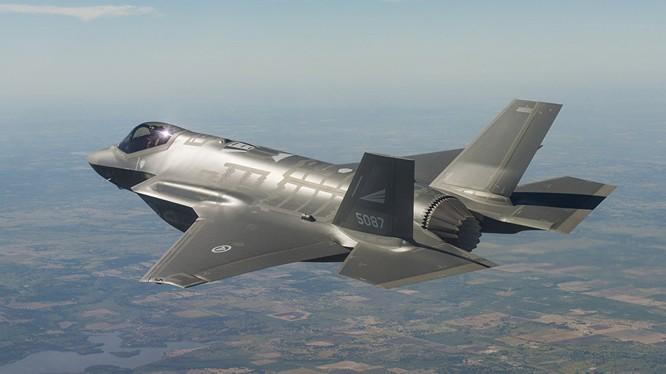 Chiến cơ F-35.