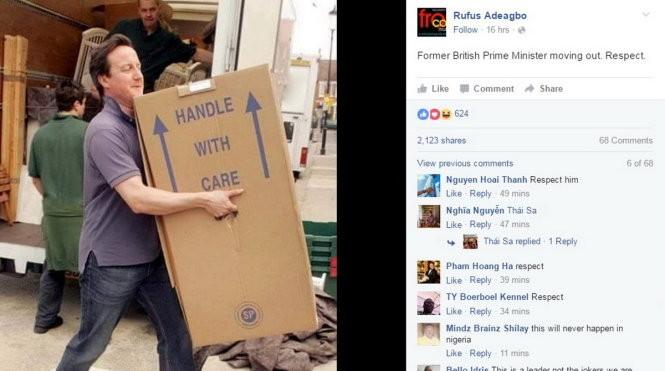 Hình ảnh ông David Cameron dọn đồ được chia sẻ trên mạng xã hội - Ảnh: FB