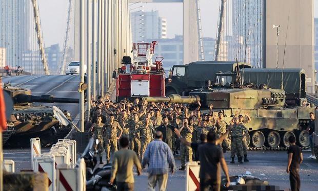 Báo Nga: Đảo chính quân sự là trò chơi yêu thích của các vị tướng Thổ Nhĩ Kỳ
