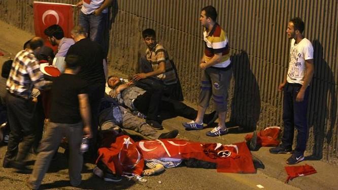 Hỗn loạn trong đảo chính ở Thổ Nhĩ Kỳ đêm 16/7/2016 (ảnh tư liệu, minh họa).