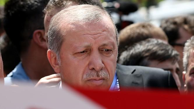 Tình báo Nga đã báo cho Erdogan tin mật ngay trước khi xảy ra đảo chính.