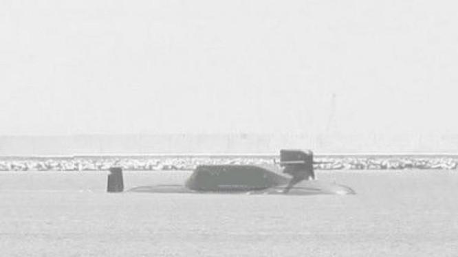 àu ngầm hạt nhân Type 094A Trung Quốc được cộng đồng mạng Trung Quốc tuyên truyền. Ảnh: báo Phượng Hoàng, Hồng Kông.