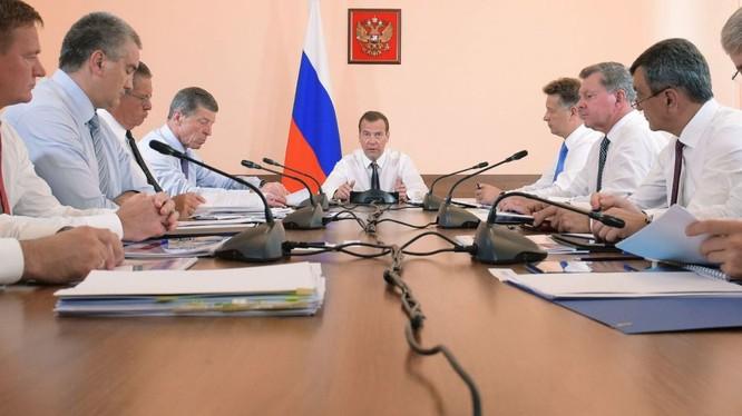 Ucraine phản đối Nga vì chuyến thăm Crimea của ông Medvedev
