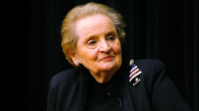 Bà Madeleine Albright.