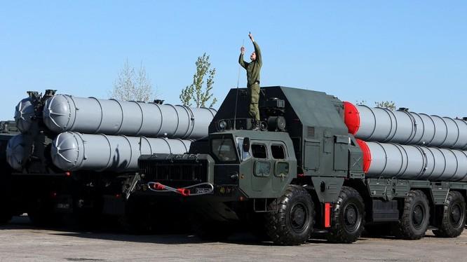 Nga lưu giữ, không sử dụng các tên lửa S-300 của Ukraine.