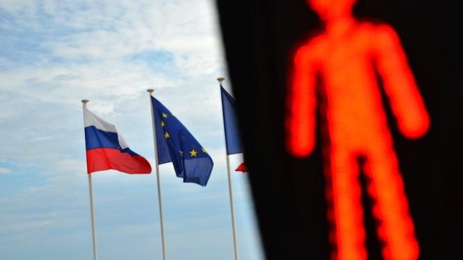 Liên minh châu Âu gia hạn trừng phạt các cá nhân người Nga thêm 6 tháng.
