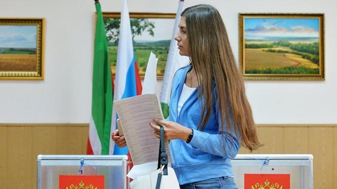 """Bầu cử Duma Nga: Đảng """"Nước Nga thống nhất"""" vẫn dẫn đầu."""