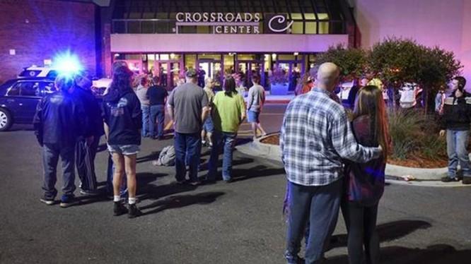 Nhiều người bị đâm dao ở Minnesota, nghi can tấn công bị bắn chết.