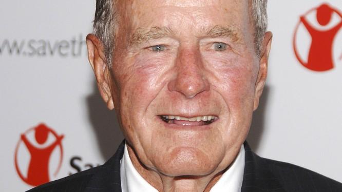 Cựu Tổng thống Mỹ George H.W Bush (cha).