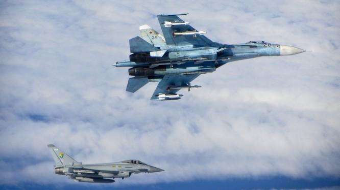 NATO từ chối đề xuất của Nga về an toàn chuyến bay trên biển Baltic