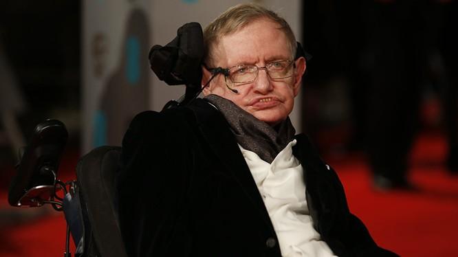 Ông Stephen Hawking kêu gọi loài người chạy khỏi Trái đất