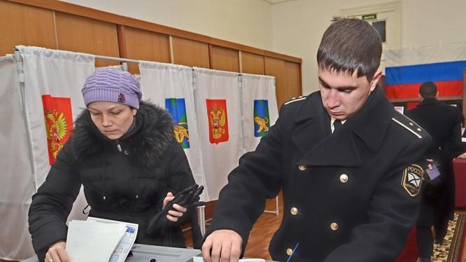 Hình hinh họa: Bầu cử ở Nga