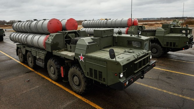 Iran tuyên bố tên lửa do Iran chế tạo hơn hẳn S-300 của Nga.