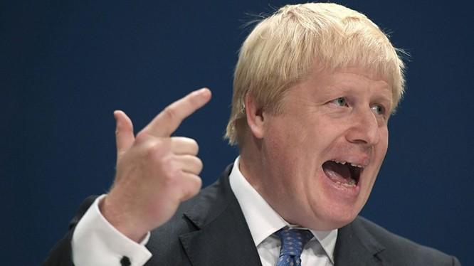 Sputnik: Ngoại trưởng Anh thừa nhận mê Nga, nhưng sẽ... cứng rắn với Nga.