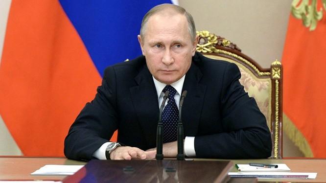 Tổng thống Nga Putin gửi điện mừng chúc mừng ông Donald Trump đắc cử.
