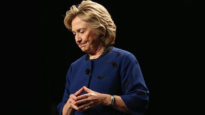 Hillary Clinton: Tôi sẽ không rũ bỏ niềm tin