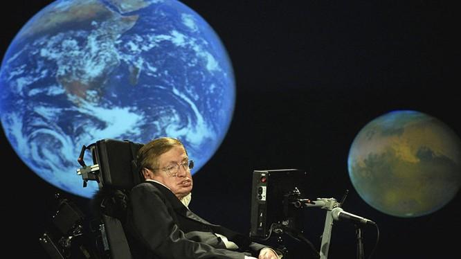 Nhà vật lý nổi tiếng người Anh Stephen Hawking.