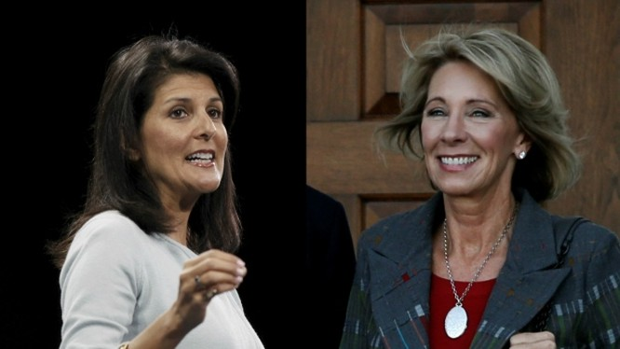 Donald Trump bổ nhiệm hai chức vụ quan trọng trong chính quyền mới là các bà Nikki Haley và Betsy DeVos.