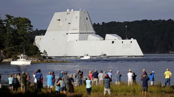 Khu hạm USS Zumwalt.