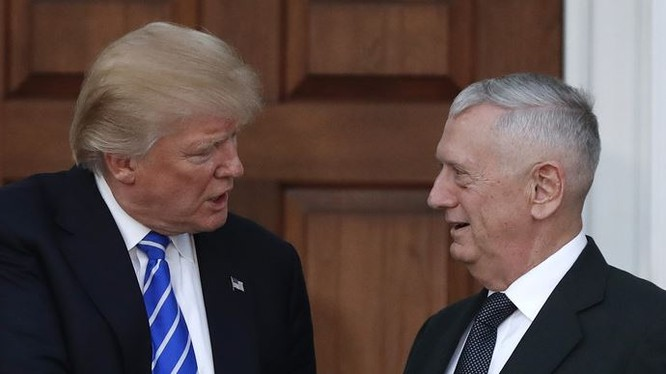 Ông Donald Trump và ông James Mattis.