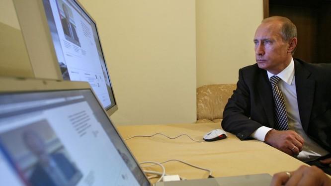 Tổng thống Putin đã chấp thuận học thuyết đảm bảo an ninh, công nghệ thông tin của Nga.