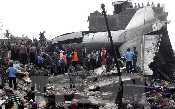 Hiện trường một vụ tai nạn máy bay quân sự Hercules C-130. (Nguồn: THX/TTXVN)