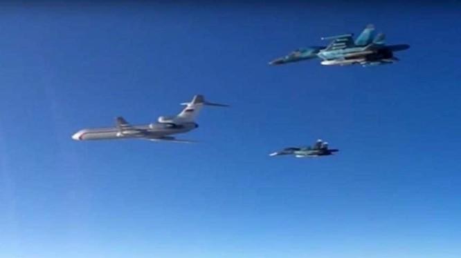 Tu-154 - lọa máy bay của Nga vừa rơi ở Sochia (ảnh tư liệu)