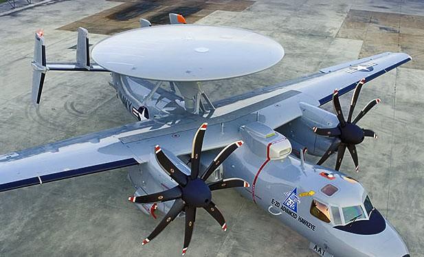 Máy bay E-2D Hawkeye.