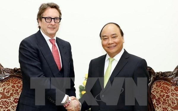 Thủ tướng Nguyễn Xuân Phúc tiếp ông Philip Falcone, Chủ tịch Harbinger. (Ảnh:Thống Nhất/TTXVN)