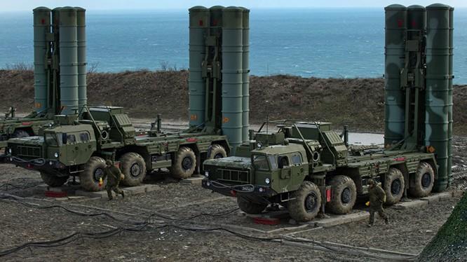 Nga đưa thêm các tổ hợp tên lửa S-400 đến Crimea