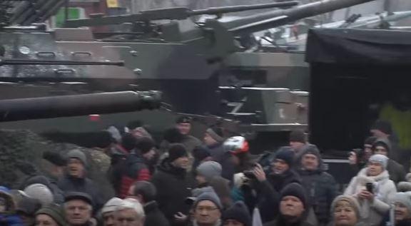 Dân Ba Lan gặp gỡ lính Mỹ mới triển khai trên lãnh thổ