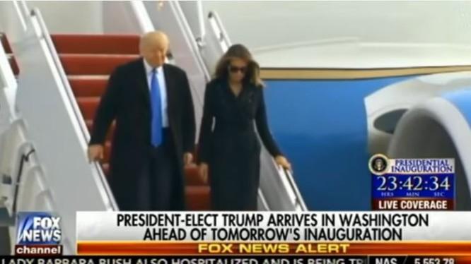 Ông Donald Trump và gia đình đã đến Washington bằng máy bay của quân đội