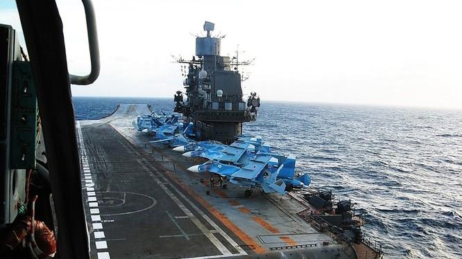 Quân đội Nga đáp trả bình luận chế giễu của Anh về tàu sân bay Kuznetsov