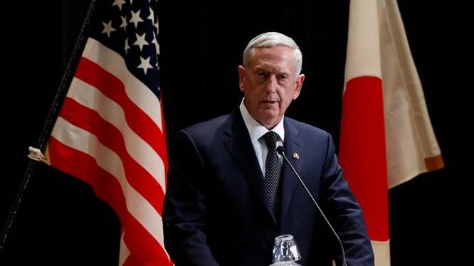 Bộ trưởng quốc phòng Mỹ James Mattis tại Nhật Bản.