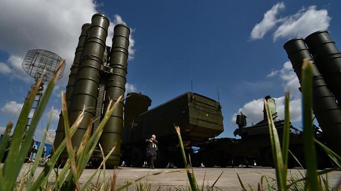 Nga xúc tiến hợp tác quân sự với Iran sau hợp đồng tên lửa S-300