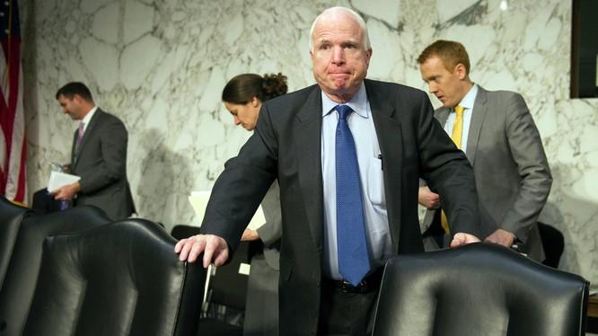 Ông Trump đổ lỗi cho những người như Thượng nghị sỹ Johc McCain
