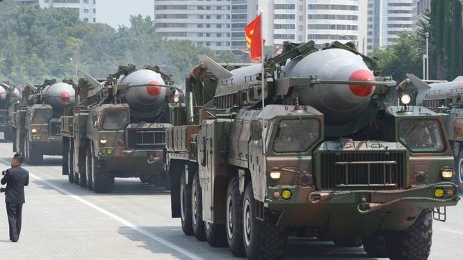 Tên lửa đạn đạo lắp trên xe phóng của Bắc Triều Tiên (ảnh minh họa)