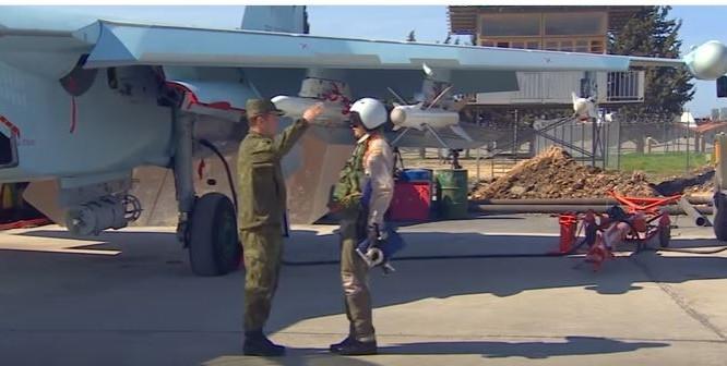 Tiêm kích Su-35S xuất hiện ấn tượng trong video của báo Nga