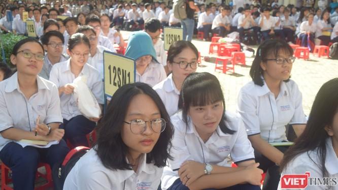 Học sinh trường THPT Chuyên Lê Hồng Phong TP.HCM. Ảnh: Hòa Bình