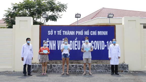 Thêm 3 bệnh nhân liên quan đến bar Buddha khỏi COVID-19, được xuất viện sáng 8/4. Ảnh: BVCC