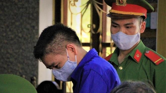 Bị cáo Trần Xuân Yến, cựu phó giám đốc Sở GD&ĐT tỉnh Sơn La. Ảnh: Pháp Luật TP.HCM