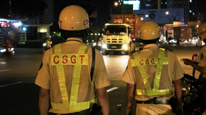 CSGT đang làm nhiệm vụ. Ảnh: Thanh Niên