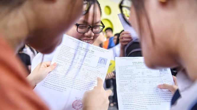 Tra cứu online online điểm thi thi tốt nghiệp THPT. Ảnh: Internet