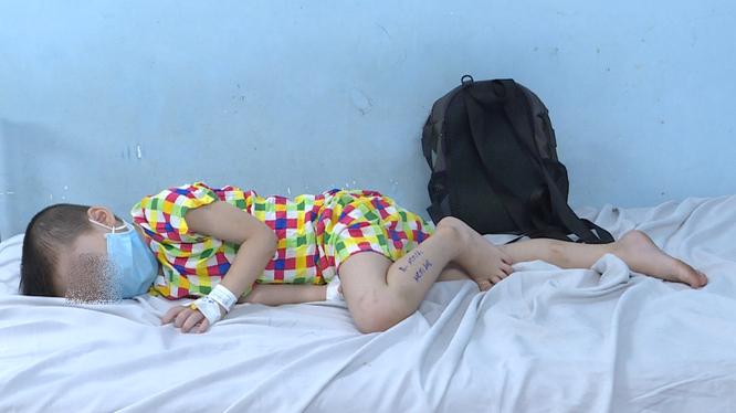 Còn 6 trẻ bị ngộ độc thực phẩm ở chùa Kỳ Quang 2 đang điều trị, theo dõi. Ảnh: Thủy Nguyễn