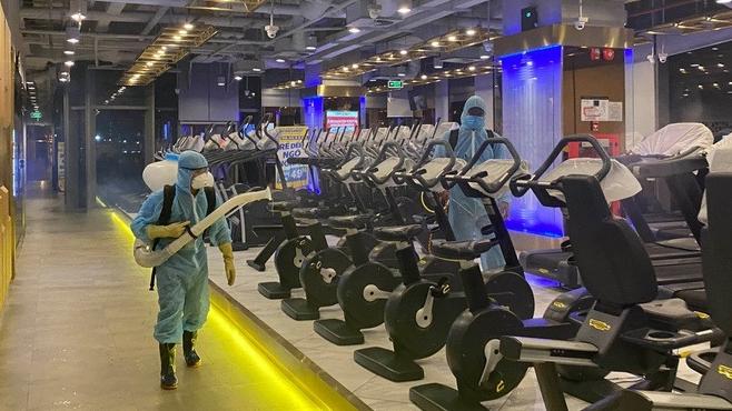 Khử khuẩn phòng gym. Ảnh: Internet