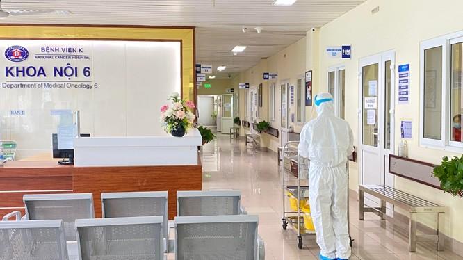 Nhân viên y tế tại Bệnh viện K. ảnh: BV K
